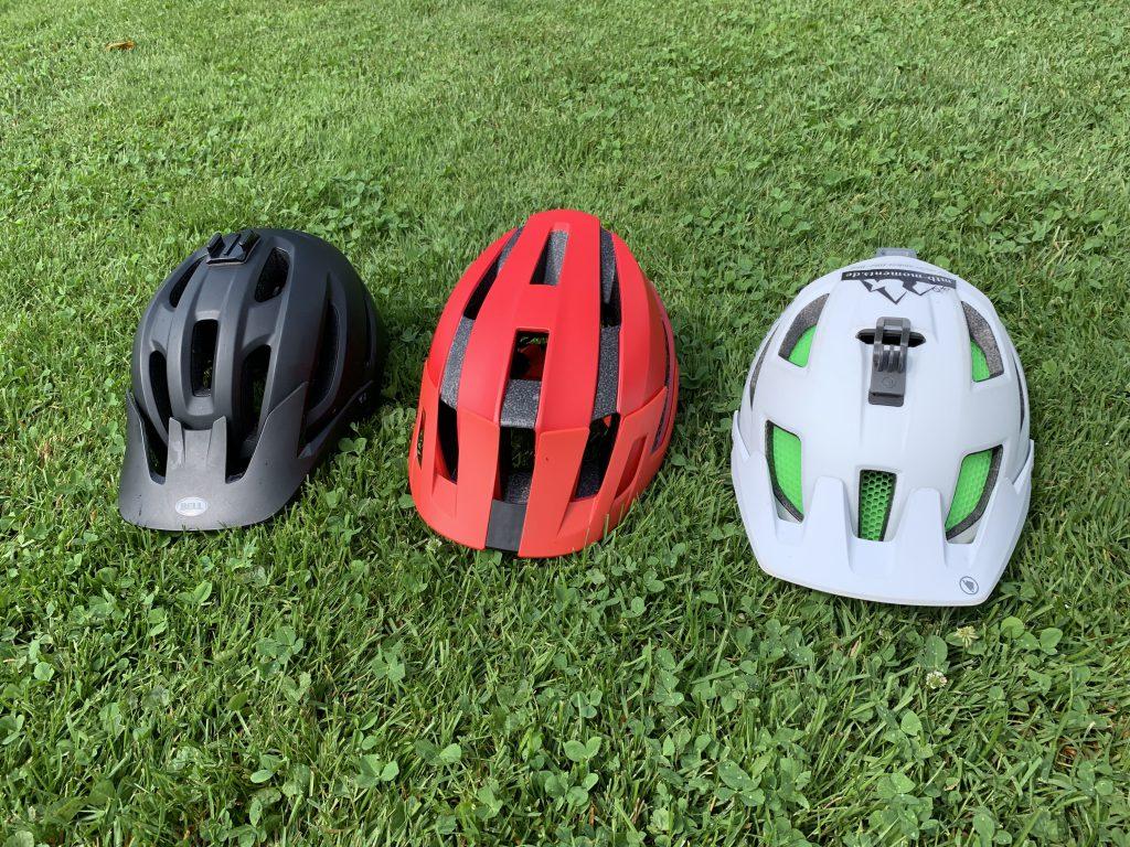 Unser Test/Erfahrungsbericht mit den Helmen: Endura MT500, Bell 4Forty & Fox Flux MTB Helm   Helm-Test Mountainbike mtb-moments.de