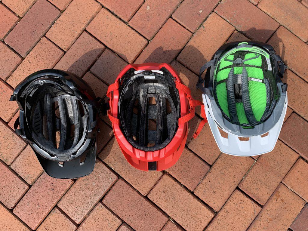 Der MT500 von Endura ist der hochwertigste Helm, mit den meisten Features, allerdings auch der mit Abstand teuerste Helm. Wer allerdings keine 159,95€ für einen Helm ausgeben will, ist dem Bell 4Forty am besten beraten. Diese besticht durch ein sehr gutes Preis/Leistungsverhältnis. Quelle: mtb-moments.de