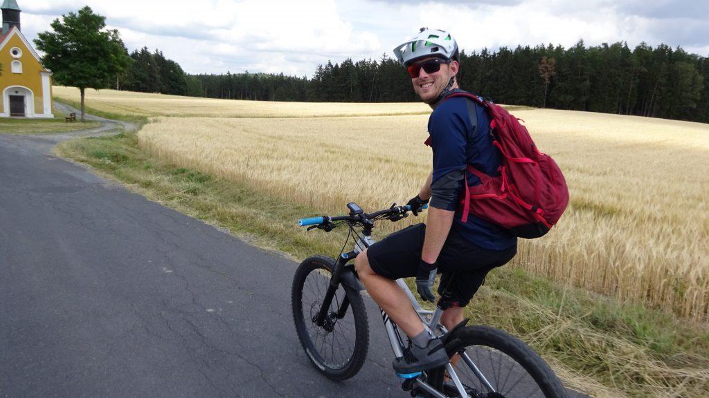 Michaque Kaiser von mtb-moments.de beim biken im Fichtelgebirge